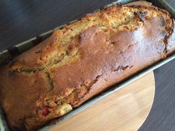 Rabarber aardbeien cake